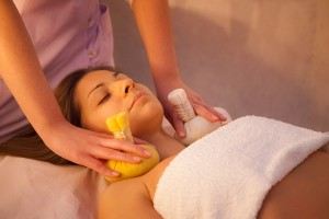 massage thai compresses